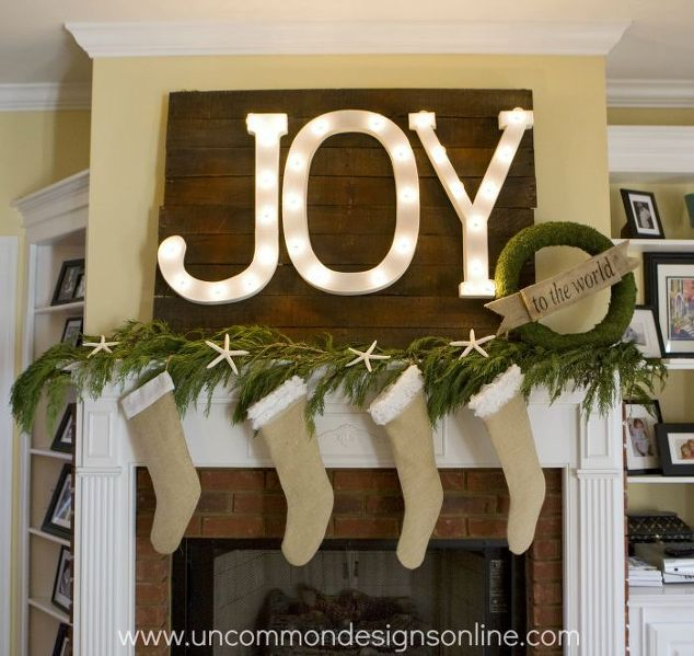 joy to the world christmas mantel, christmas decorations, crafts, pallet,  seasonal holiday