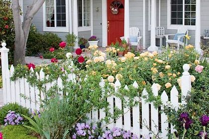Think LUSH!  full, romantic flowers such as roses, peonies, or hydrangeas, add lots of drama. - BHG