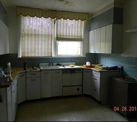 Little Sweet Kitchen Needs A Lot Of TLC!