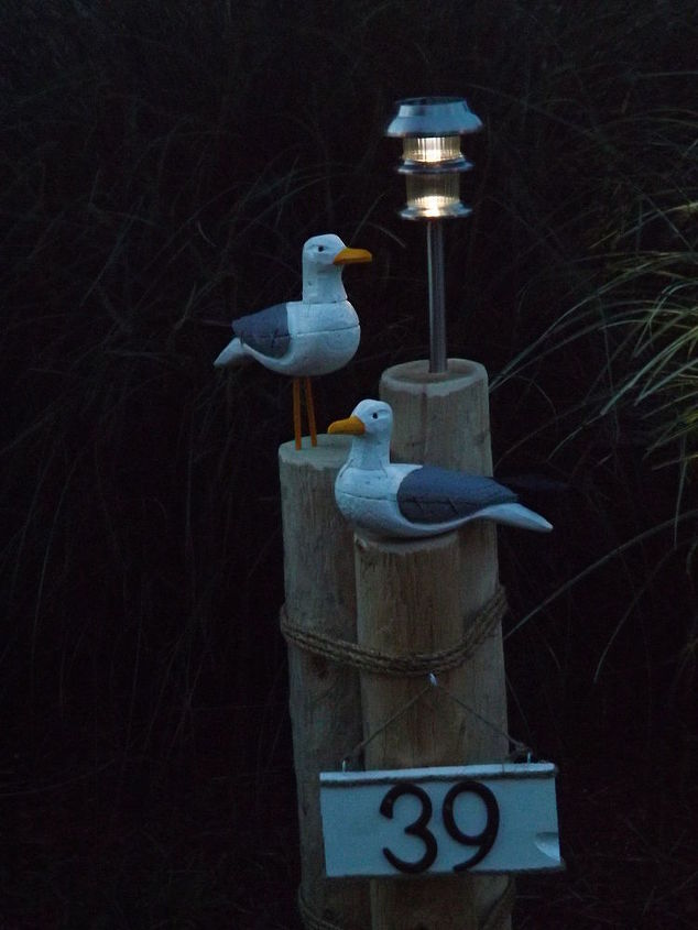Nautical Lawn Piling With Seagulls Solar Light And