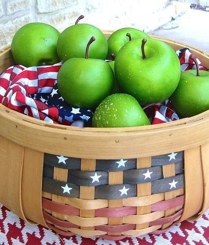 fourth of july porch, curb appeal, patriotic decor ideas, porches, seasonal holiday decor, wreaths