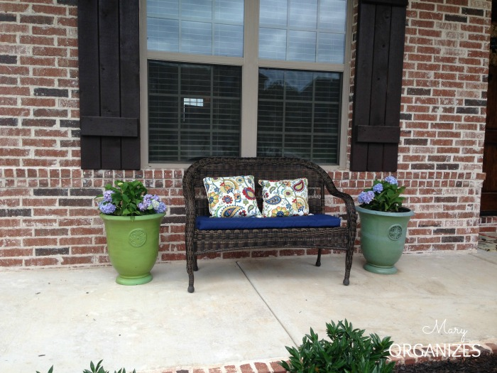 planting hydrangeas planter gardening, flowers, gardening, hydrangea, I recently updated my porch and am trying hydrangeas in planters for the first time