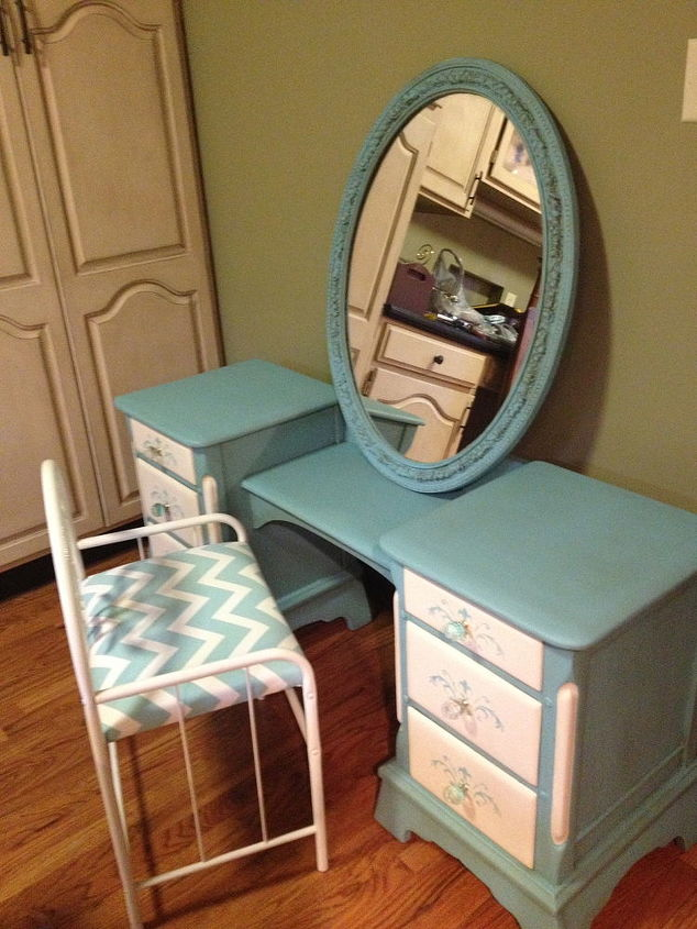 hand painted antique vanity desk, painted furniture - Hand Painted Antique Vanity/desk Hometalk