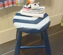 diy arrow striped distressed nautical stool, bathroom ideas, chalk paint, home decor, painted furniture