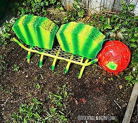 Merveilleux A Quirky Garden Made With Repurposed Items, Flowers, Gardening, Repurposing  Upcycling