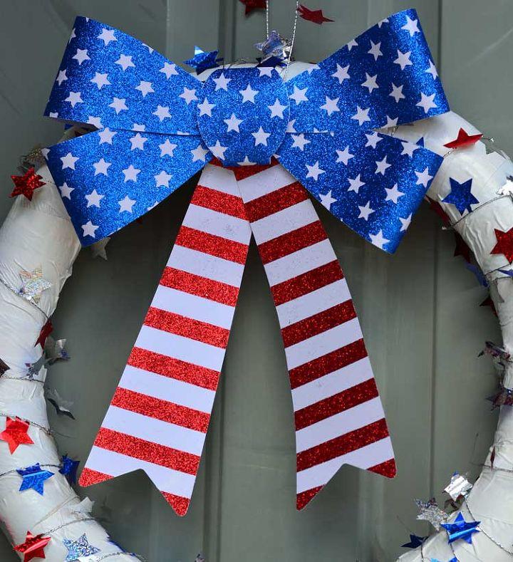 patriotic pool noodle wreath, crafts, seasonal holiday decor