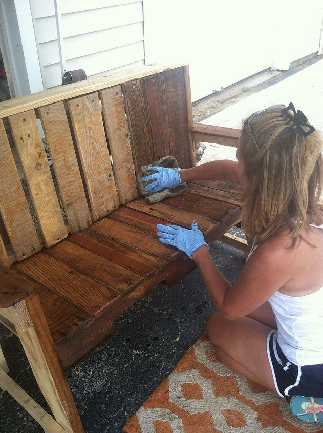 pallet wood bench, diy, painted furniture, pallet, repurposing upcycling, woodworking projects