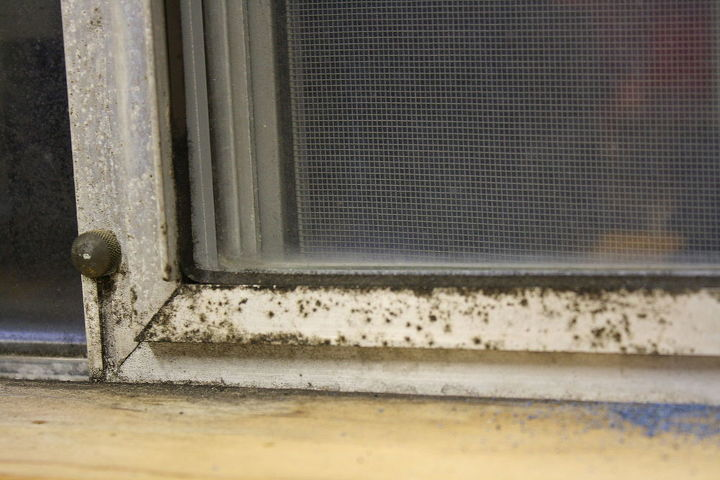How to clean and restore aluminum window frames hometalk for How to clean windows