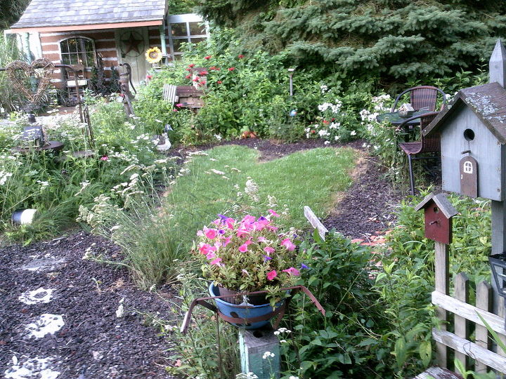 my junkique garden spots around our country prim home sweet home, flowers, gardening, landscape