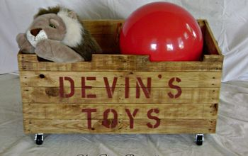 A Toybox Made From Pallet Wood!