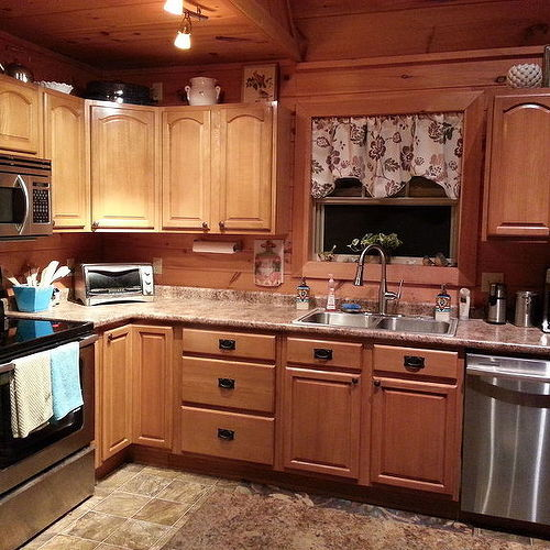 kitchen cabinet colors 2014 kitchen cabinet color hometalk 5192