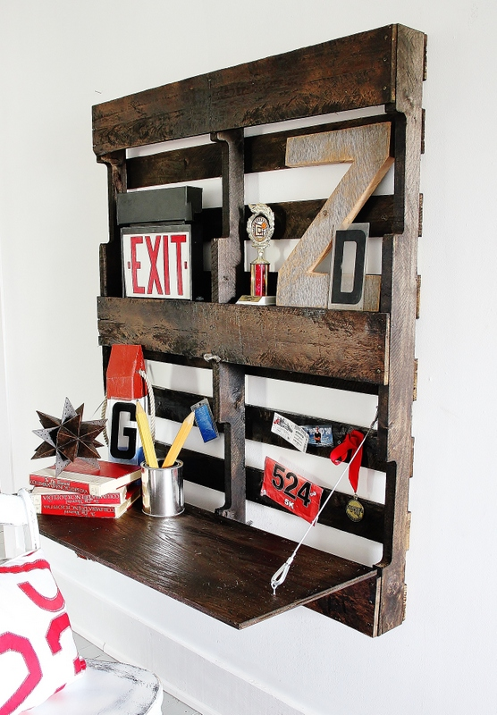 desk pallet fold up how to build, diy, painted furniture, pallet, woodworking projects
