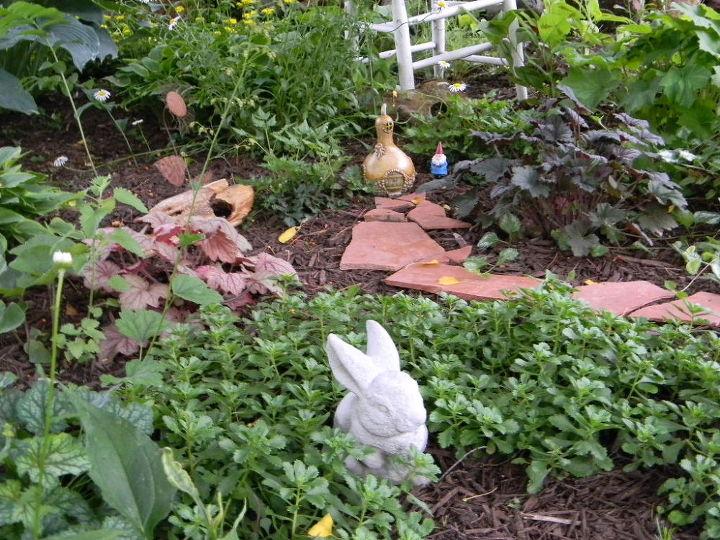 garden decoration outdoor backyard, container gardening, flowers, gardening, repurposing upcycling