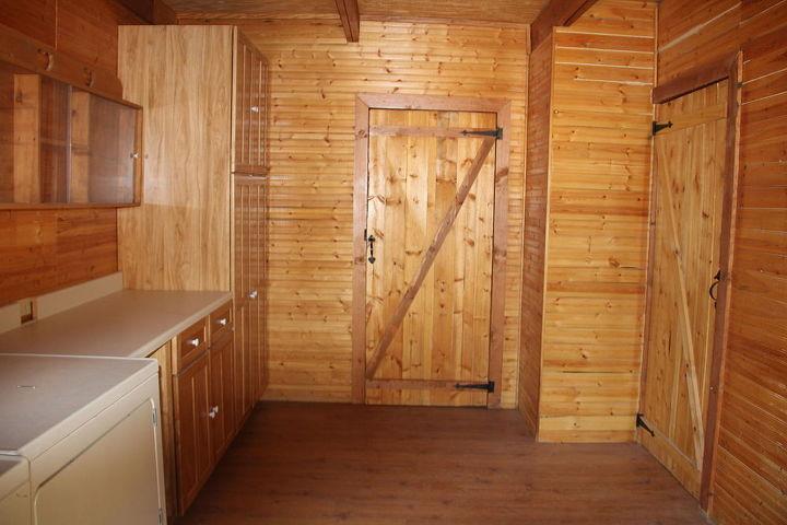 q hat rack log cabin mud room, laundry rooms, shelving ideas, storage ideas, Log cabin back door entry or mud room