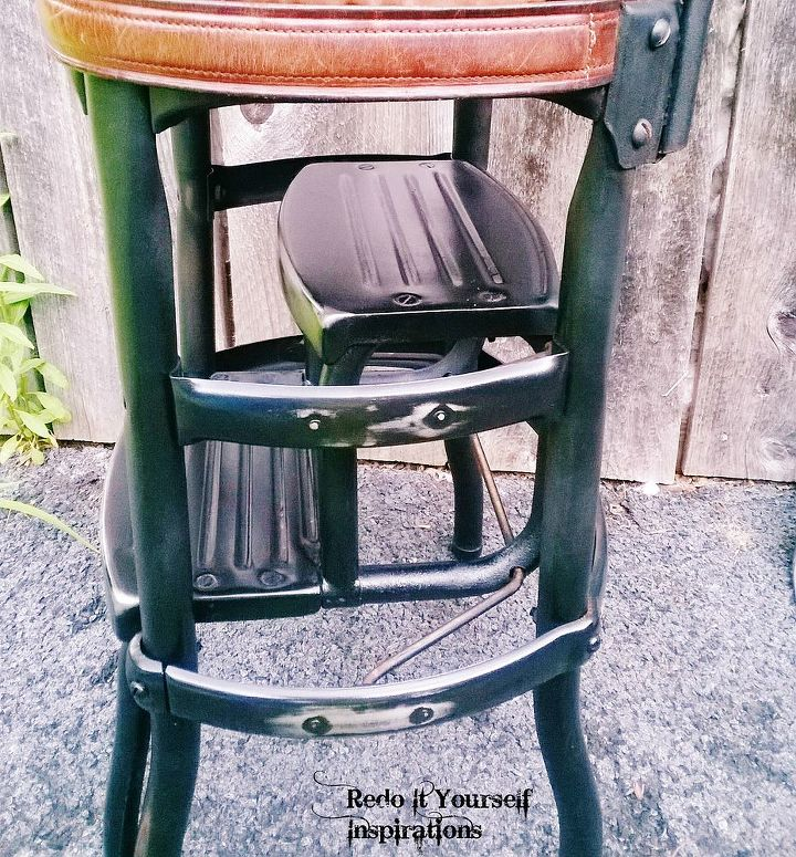 step chair junk yard redo, painted furniture, repurposing upcycling