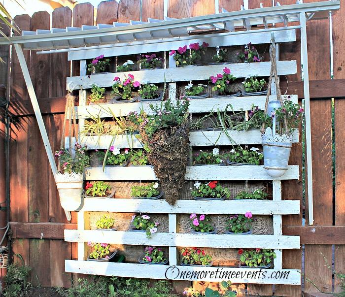 vinca pallet starter garden, diy, flowers, gardening, pallet, repurposing upcycling, woodworking projects