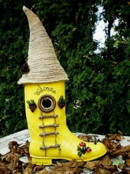 birdhouses shoe gardening crafts, crafts, gardening, pets animals, repurposing upcycling