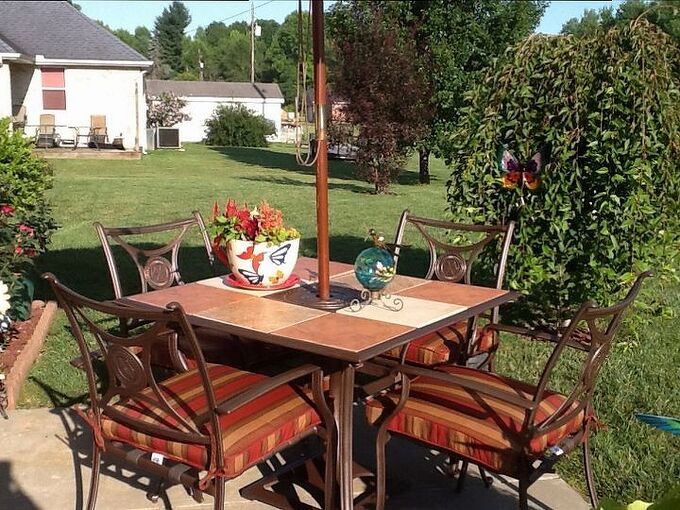outdoor furniture patio update, outdoor furniture, painted furniture, patio, Wow Look at that color