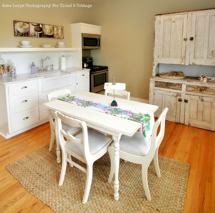 20 Charming Cottage Style Kitchen Decors: Bright Cottage Makeover