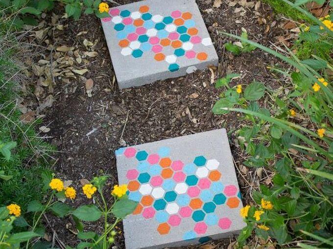 stenciled garden stepping stones, crafts, gardening, outdoor living