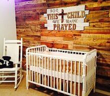 room decorating ideas nursery, bedroom ideas, home decor, painted furniture, Pallet wall that was sanded only