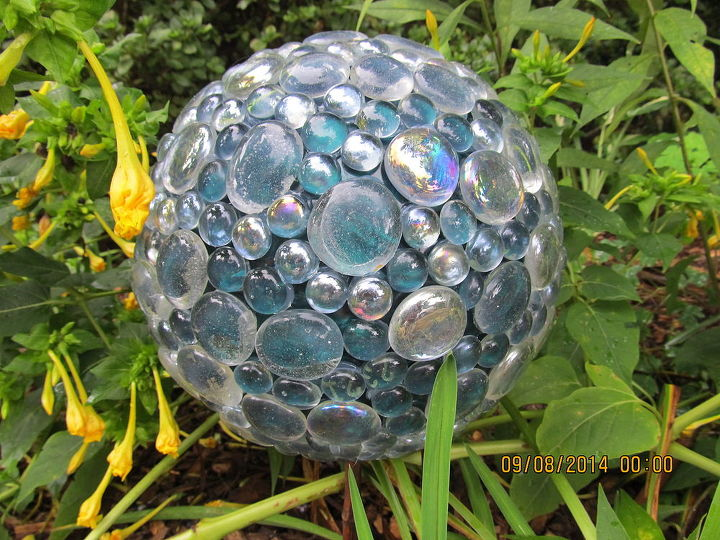 Bowling ball with bling