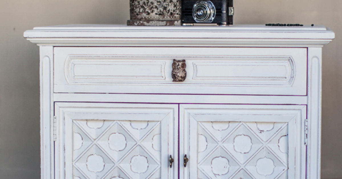 Side Table Makeover In Mudpaint Manor White Hometalk