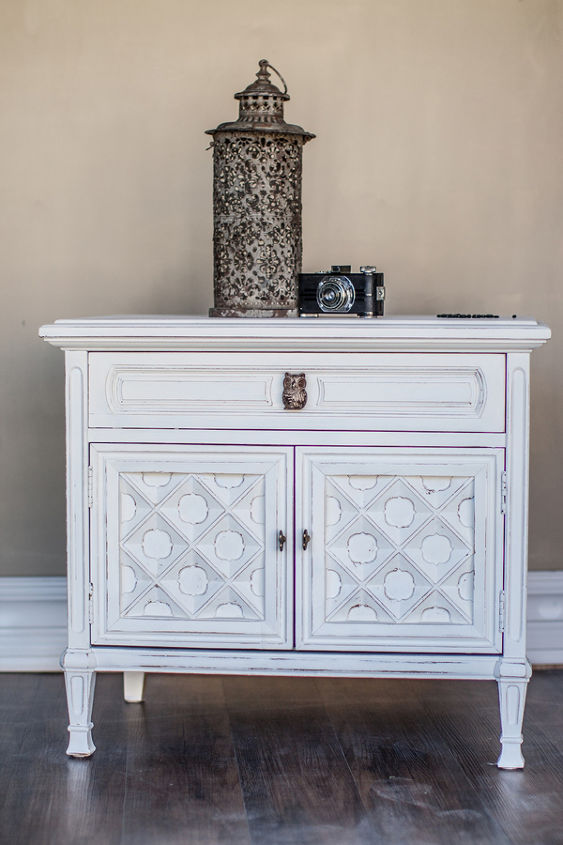 side table makeover in mudpaint manor white, painted furniture