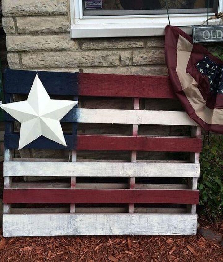 pallets american flag garden art, gardening, pallet, patriotic decor ideas, repurposing upcycling, seasonal holiday decor