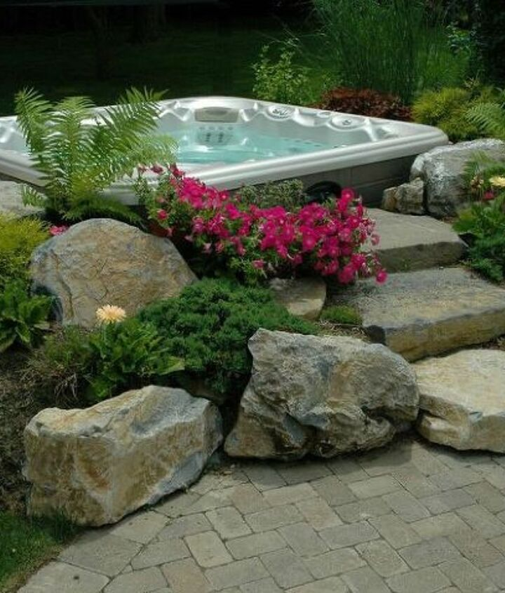 Hot Tub 'In-Garden' Effect