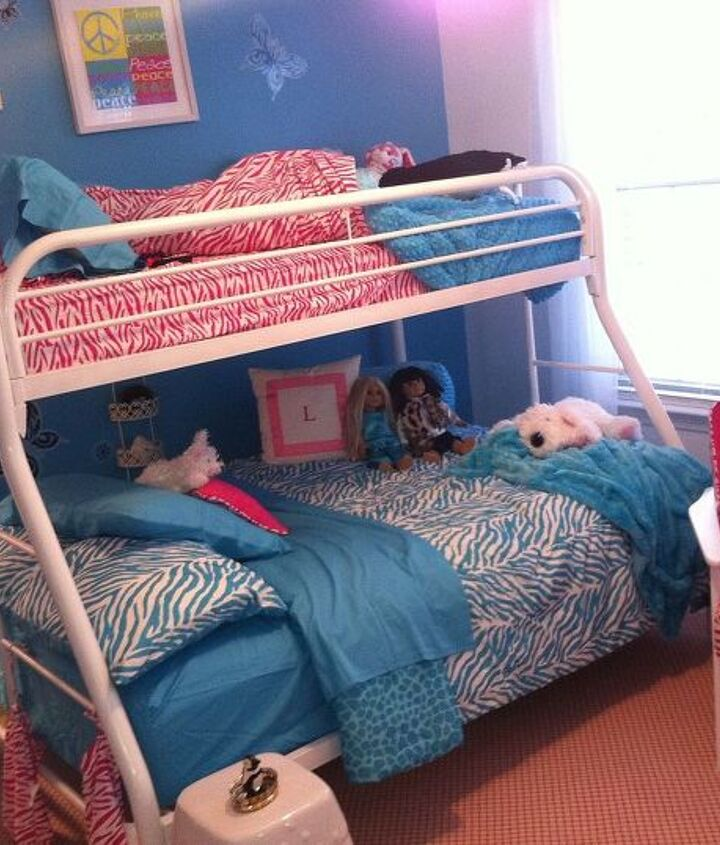 Colorful Pre-Teen Girl's Room