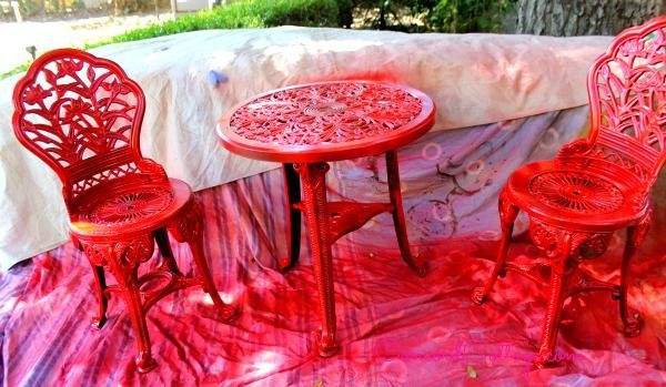 Outdoor Bistro Set Spray Paint Makeover | Hometalk