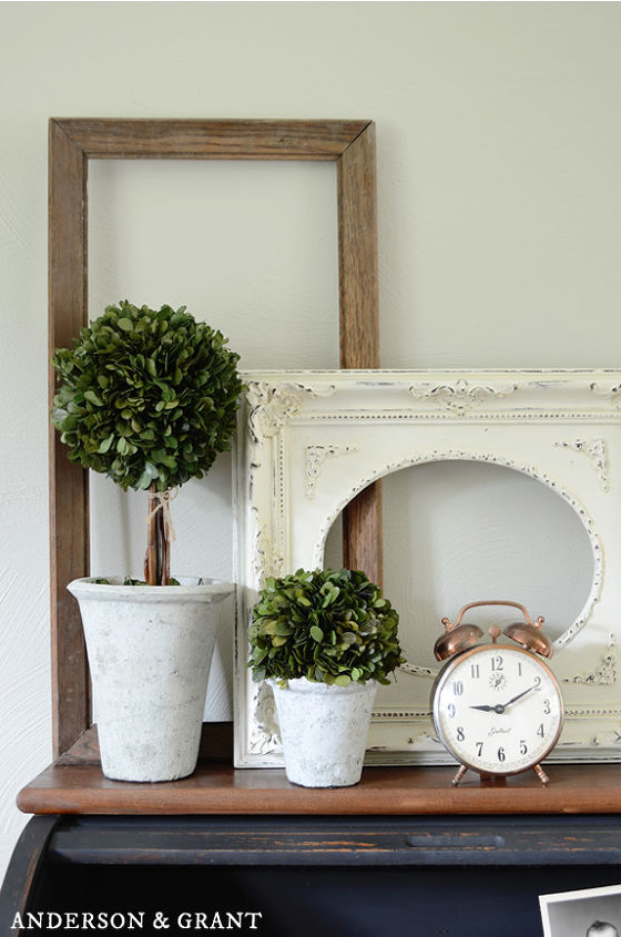 Decorating With Empty Picture Frames | Hometalk
