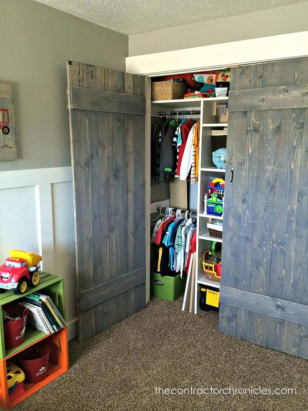 Barn wood closet doors hometalk woorkworking barn wood closet doors rustic bedroom ideas closet diy rustic furniture eventshaper