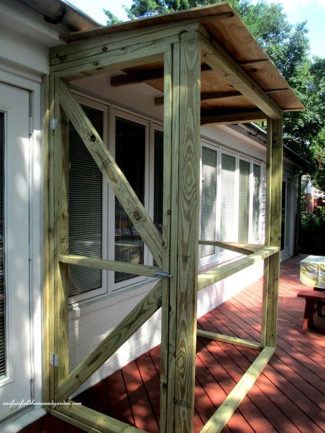 Build A Catio A Tiny Screen House For Kitty Cats Hometalk