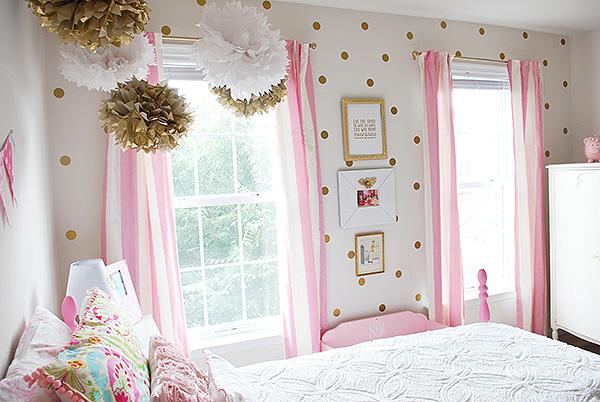 Girl 39 s room in pink white gold decor hometalk - White and gold room decor ...
