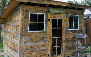 Pallet Shed Using Pallets, Old Windows & Tin Cans