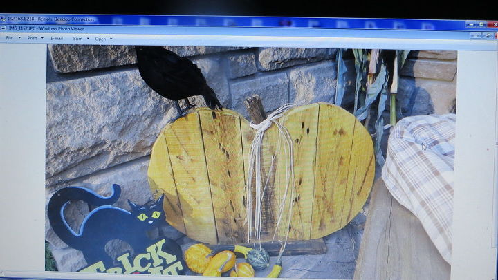 pallet crafts decor home art, crafts, repurposing upcycling, woodworking projects