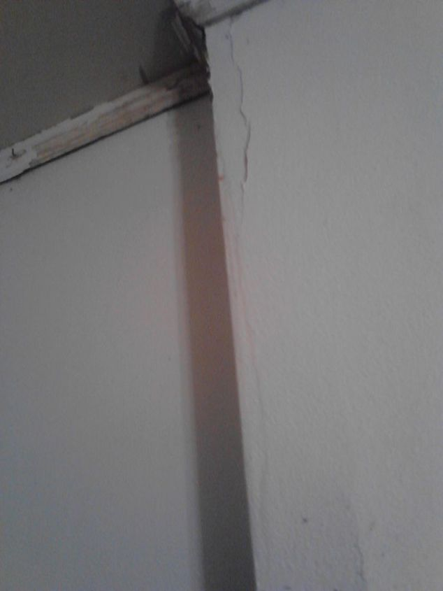 q how to fix damaged walls, diy, home maintenance repairs, how to, wall decor