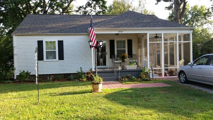 q paint ideas house exterior pop color suggestions, curb appeal, porches, Black and white needs color