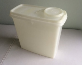 Vintage Tupperware Cereal Container