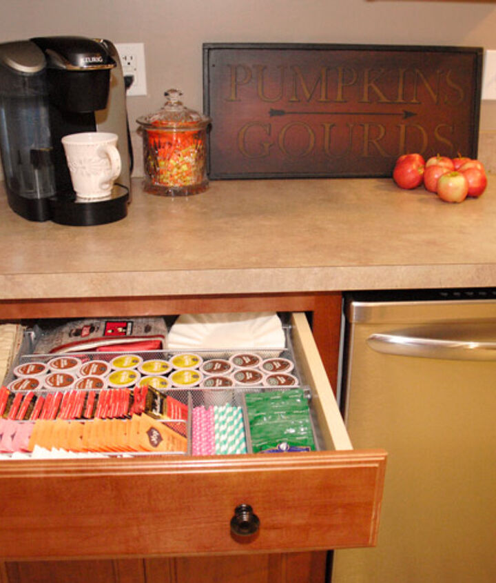 organizing kitchen hot beverage station, kitchen cabinets, kitchen design, organizing