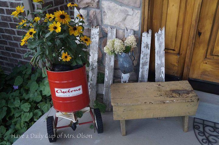 fall porch decor vintage thrift welcome, porches, seasonal holiday decor