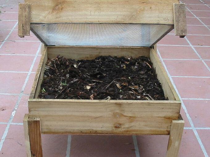 worm composting bin ideas tutorials, composting, container gardening, gardening