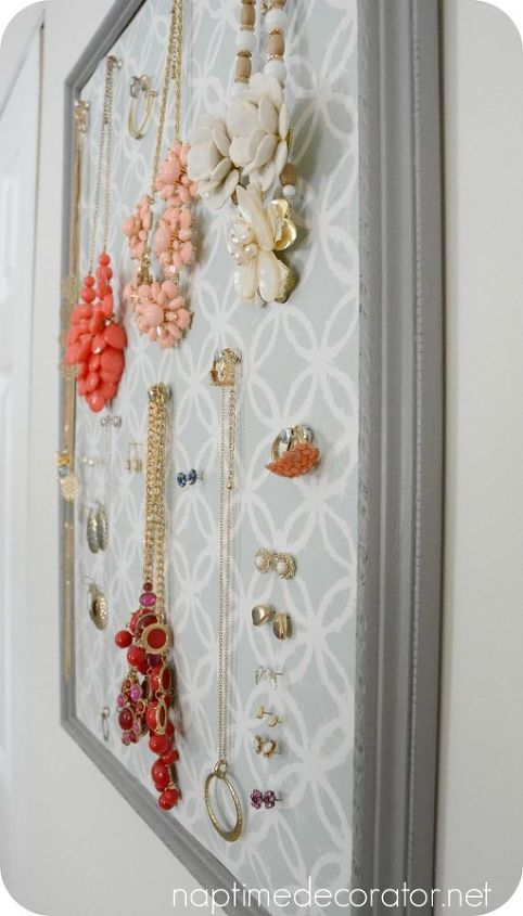Old Picture Frame Turned Jewelry Organizer | Hometalk