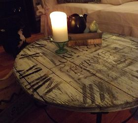 A Wood Pallet Crafted Clock Coffee Table, Diy, Home Decor, Painted  Furniture,