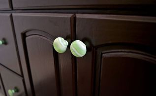 marbled drawer pulls from polymer clay, bathroom ideas, crafts, repurposing upcycling