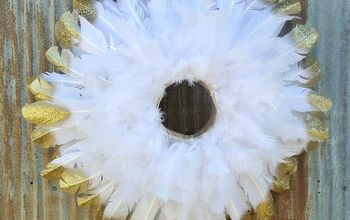 Gold Tipped Feather Wreath