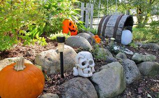 easy halloween decorations, halloween decorations, landscape, outdoor living, seasonal holiday decor