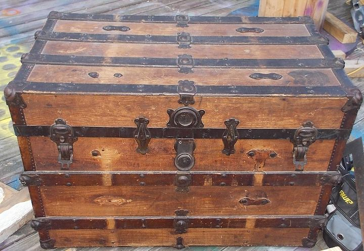 steamer trunk up cycle, Here is the before